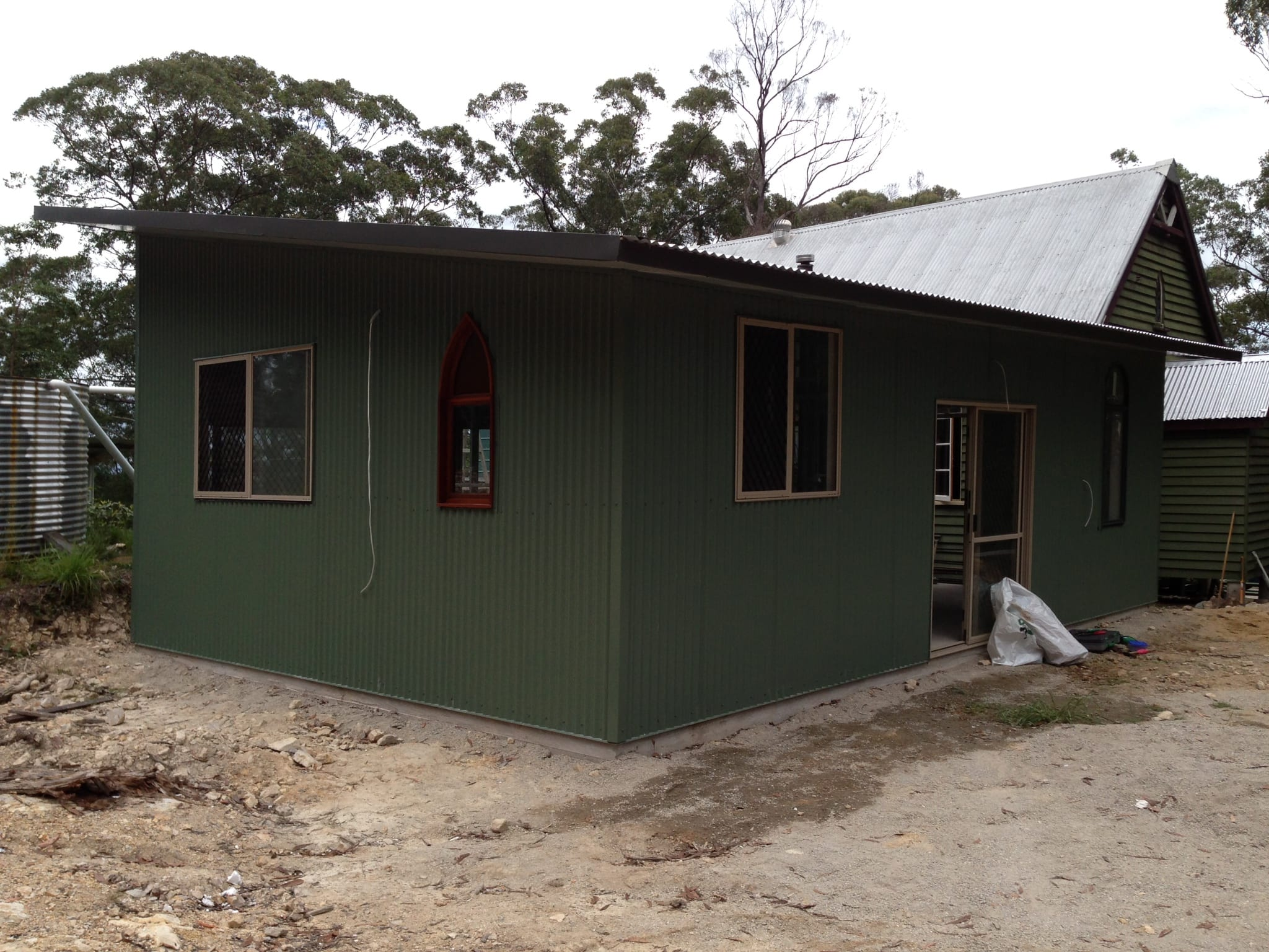 Skilllion green livable with gable top