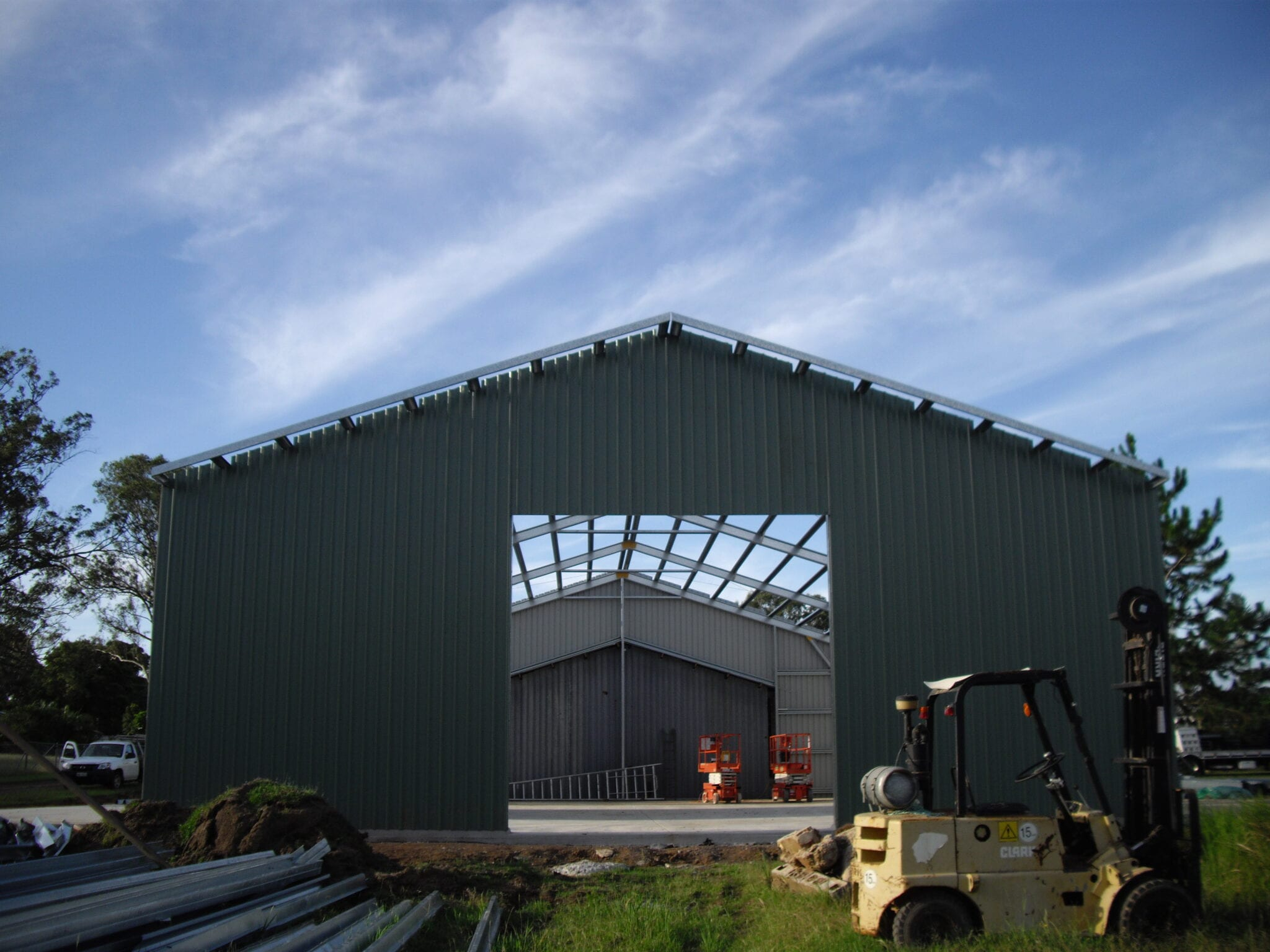 Industrial gable steel frame with sheets (2)