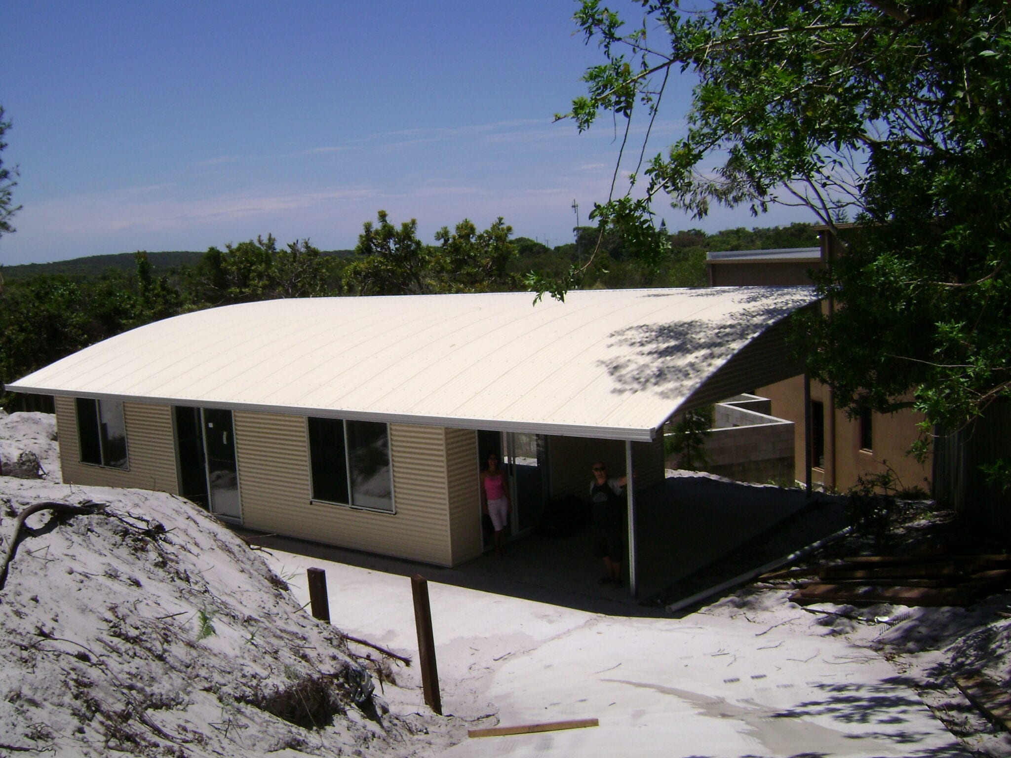 curved roof shouse