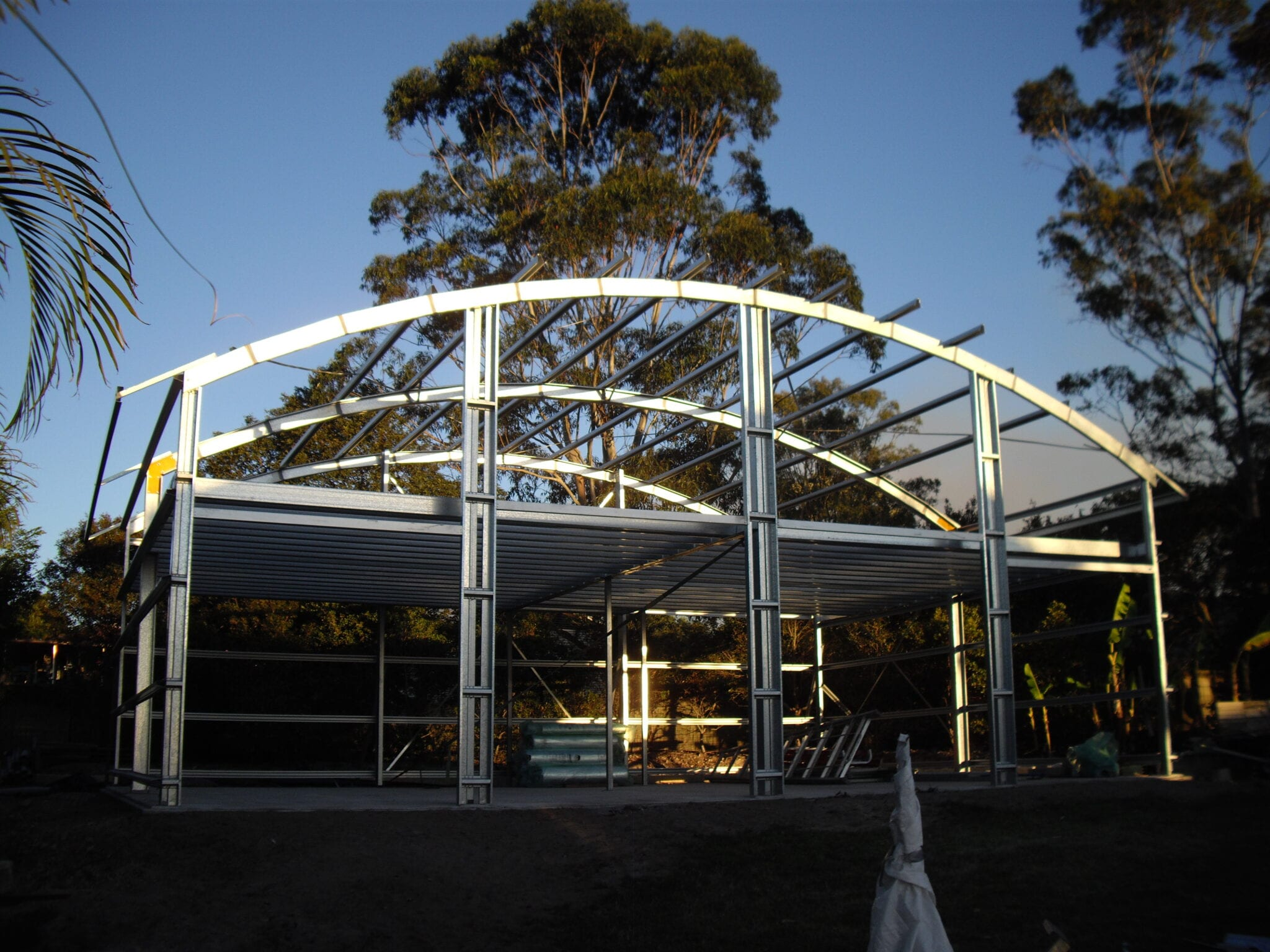 Curved roof frame.2
