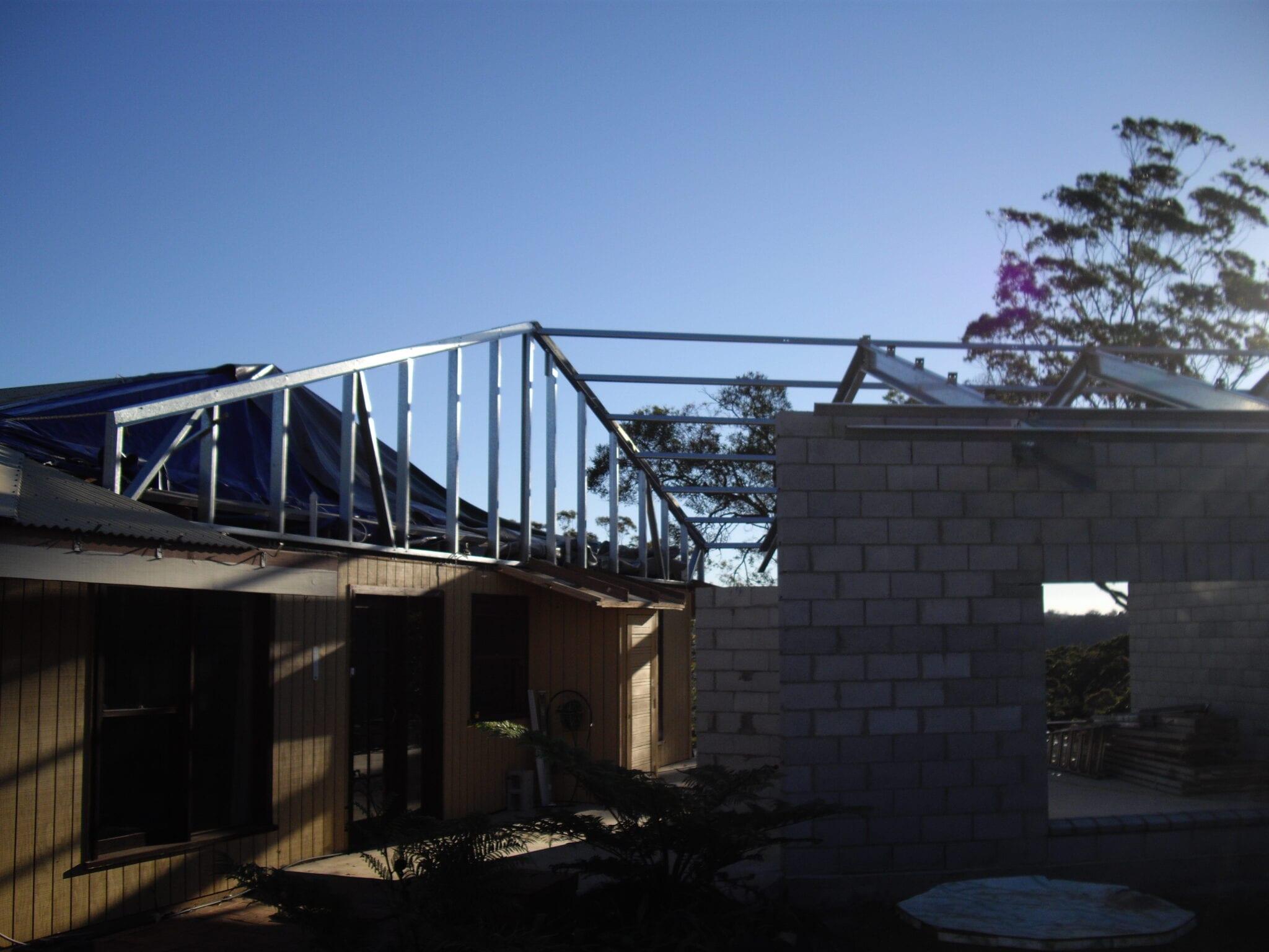 Gable steel frame over brick (3)