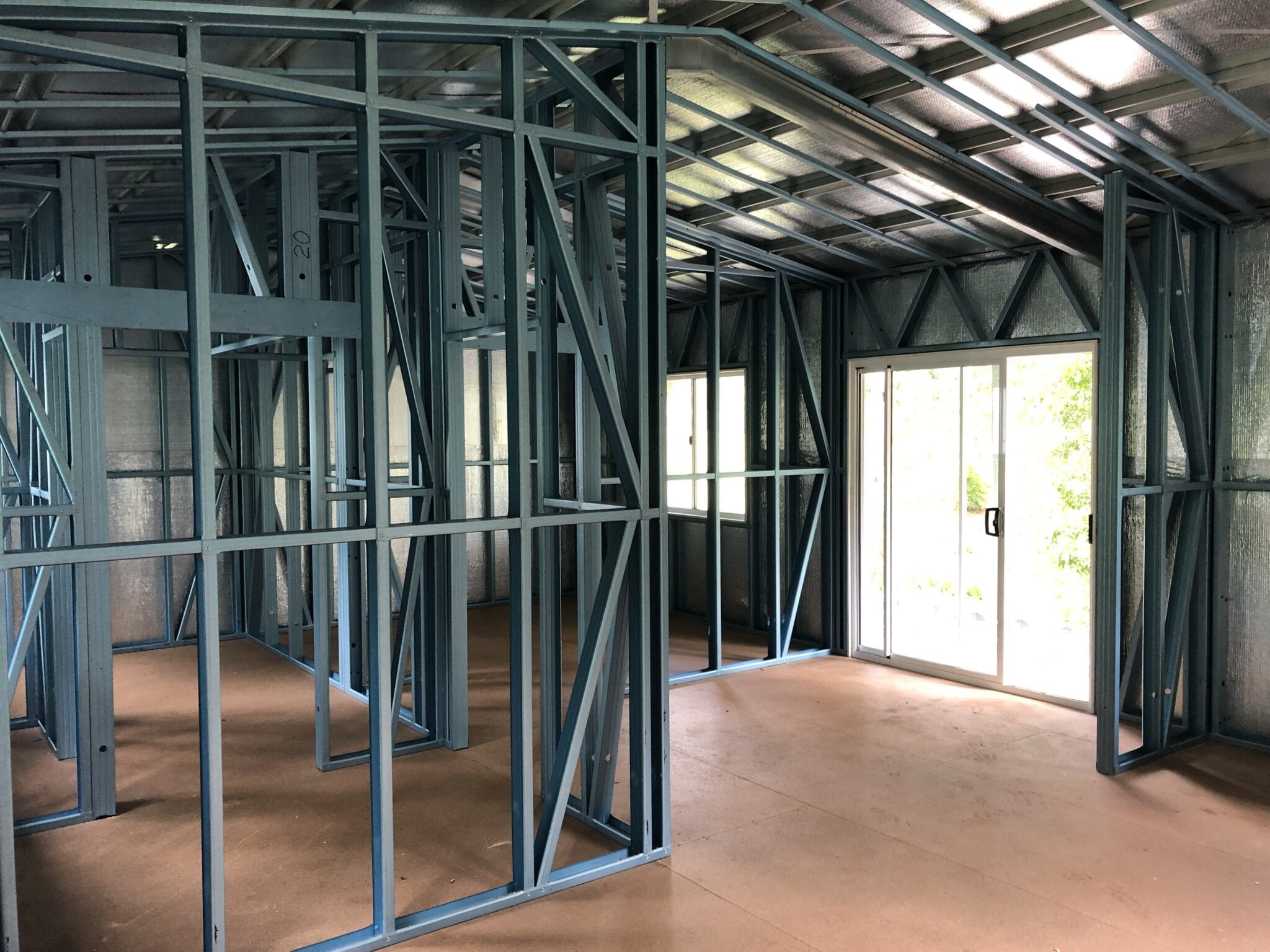 Gable stilts green livable steel frame inside (2)