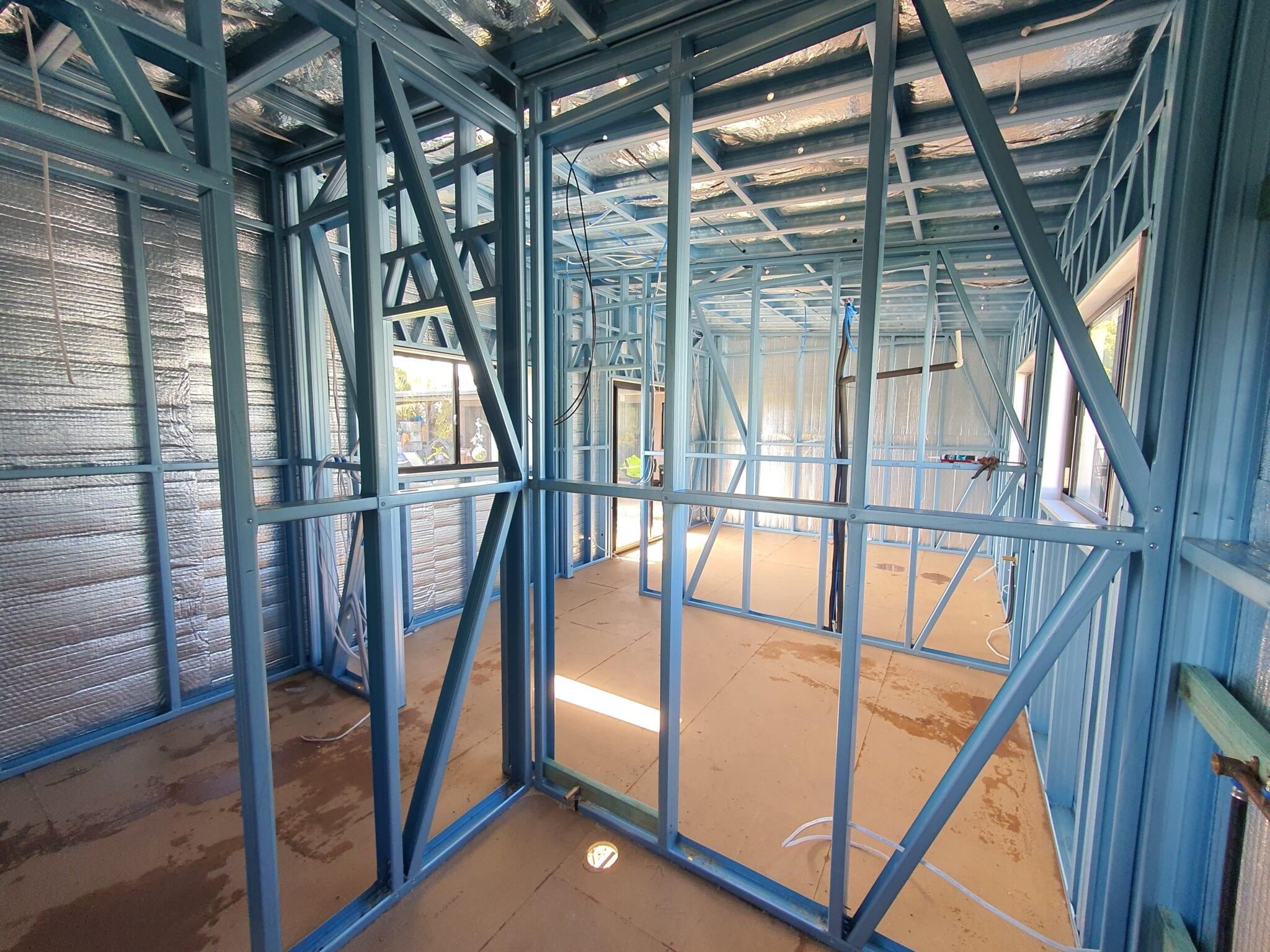 Skillion cream inside steel frame (2)
